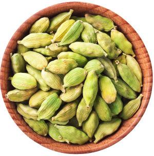 Whole cardamom seeds